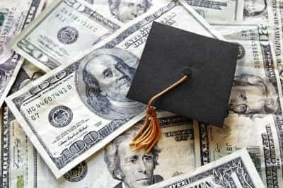 A Complete Guide to Healthcare Education Grants and Loans in 2020